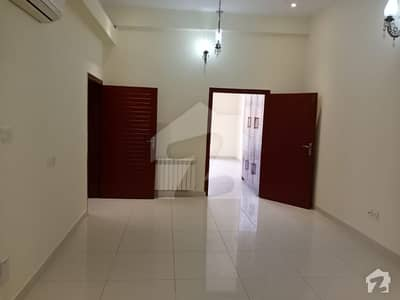 F-8 Like A Brand New 4 Bedroom Totally Tiled Flooring Compact House At Very Peaceful Location