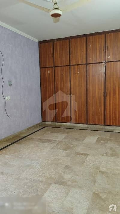 10 Marla Upper Portion Available For Rent