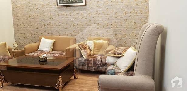 کینال پارک فیصل آباد میں 4 کمروں کا 8 مرلہ مکان 2.15 کروڑ میں برائے فروخت۔