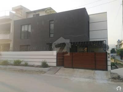 ای ۔ 11/2 ای ۔ 11 اسلام آباد میں 5 کمروں کا 8 مرلہ مکان 3.8 کروڑ میں برائے فروخت۔