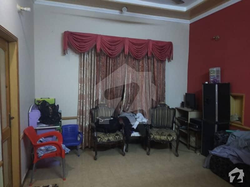 سبزہ زار سکیم لاہور میں 5 کمروں کا 10 مرلہ مکان 2.4 کروڑ میں برائے فروخت۔