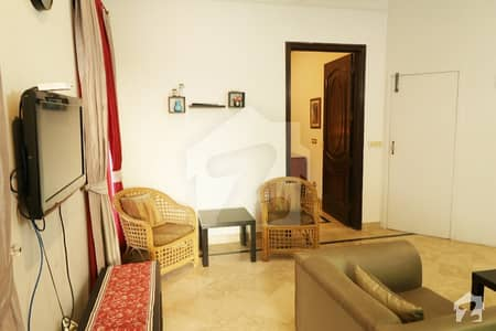 ڈی ایچ اے فیز 4 ڈیفنس (ڈی ایچ اے) لاہور میں 2 کمروں کا 1 کنال بالائی پورشن 80 ہزار میں کرایہ پر دستیاب ہے۔