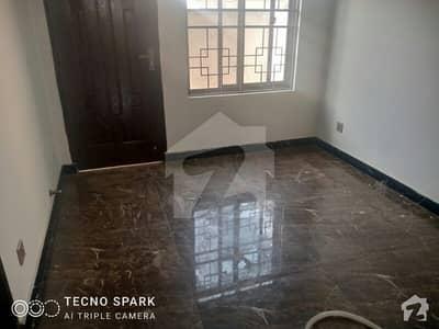 خیابانِ امین لاہور میں 4 کمروں کا 5 مرلہ مکان 40 ہزار میں کرایہ پر دستیاب ہے۔