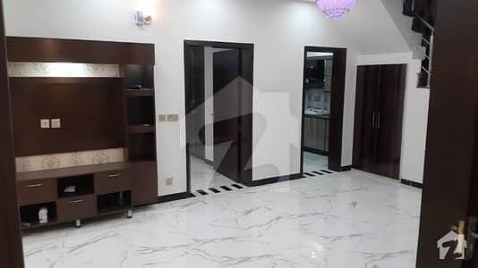 کینال گارڈنز - بلاک اے اے کینال گارڈن لاہور میں 3 کمروں کا 5 مرلہ مکان 45 ہزار میں کرایہ پر دستیاب ہے۔