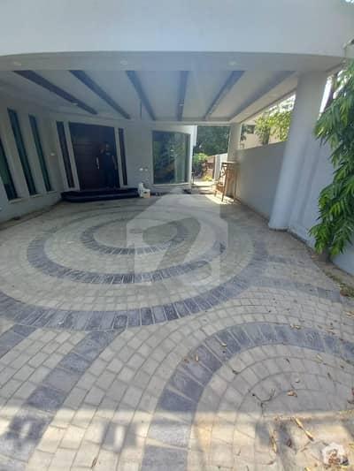 ڈی ایچ اے فیز 4 ڈیفنس (ڈی ایچ اے) لاہور میں 5 کمروں کا 1.2 کنال مکان 4.75 کروڑ میں برائے فروخت۔