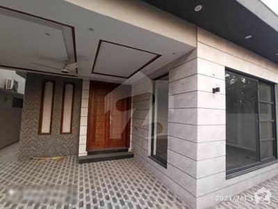 ڈی ایچ اے 11 رہبر لاہور میں 4 کمروں کا 8 مرلہ مکان 85 ہزار میں کرایہ پر دستیاب ہے۔