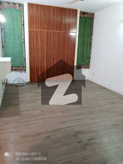 عسکری 1 عسکری لاہور میں 11 مرلہ فلیٹ 1.8 کروڑ میں برائے فروخت۔