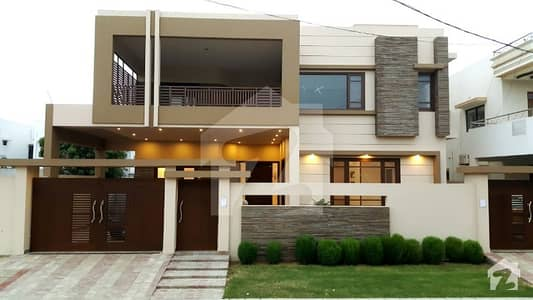 550 Sq Yard  Brand Newly Built House By Professional Architect And Engineer