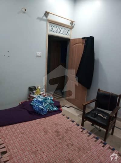 گلستانِِ جوہر ۔ بلاک 9 گلستانِ جوہر کراچی میں 4 کمروں کا 3 مرلہ مکان 68 لاکھ میں برائے فروخت۔