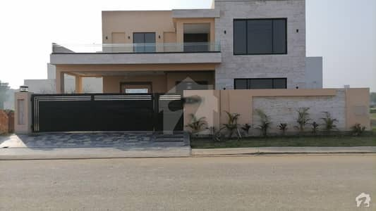 1 Kanal Beautiful House Available For Sale In Sector M3
