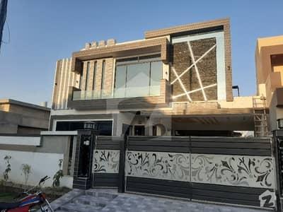 اقبال ایونیو فیز 3 اقبال ایوینیو لاہور میں 2 کمروں کا 1 کنال مکان 72 ہزار میں کرایہ پر دستیاب ہے۔