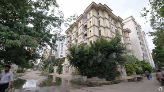 1750 Square Feet Flat Is Available For Sale In Clifton