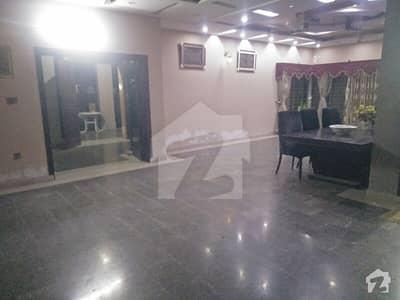 یو ای ٹی ہاؤسنگ سوسائٹی لاہور میں 3 کمروں کا 2 کنال زیریں پورشن 75 ہزار میں کرایہ پر دستیاب ہے۔