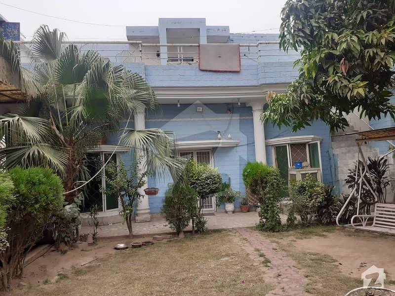 سبزہ زار سکیم لاہور میں 7 کمروں کا 1.05 کنال مکان 3.4 کروڑ میں برائے فروخت۔