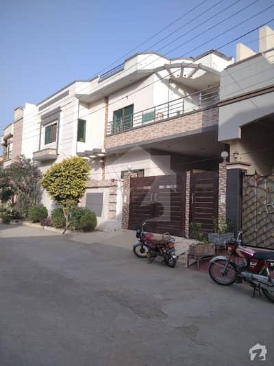 مسلم ٹاؤن فیصل آباد میں 4 کمروں کا 6 مرلہ مکان 1.6 کروڑ میں برائے فروخت۔
