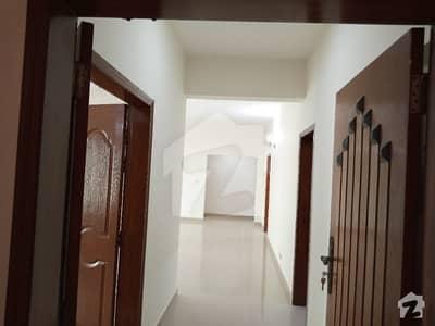 عسکری 11 ۔ سیکٹر بی عسکری 11 عسکری لاہور میں 3 کمروں کا 10 مرلہ فلیٹ 2 کروڑ میں برائے فروخت۔