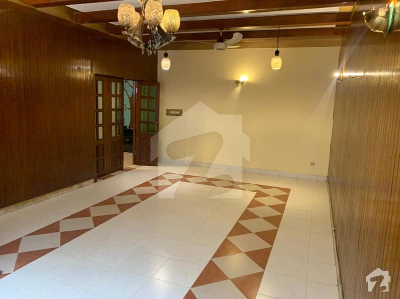 10 Marla Usd House For Sale In Model Town,lahore