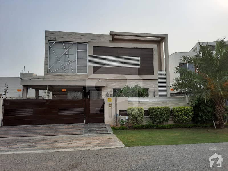 1 Kanal Modern Design Solid Bungalow For Sale In Phase 6