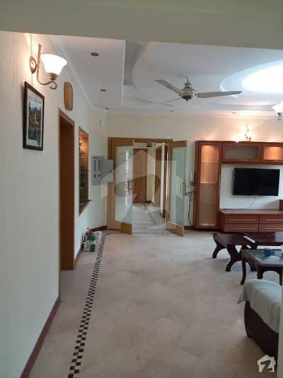 ای ایم ای سوسائٹی لاہور میں 5 کمروں کا 1 کنال مکان 2 لاکھ میں کرایہ پر دستیاب ہے۔