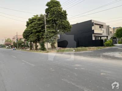 01 Kanal Near To Park Corner 40 Ft Road Plot For Sale In State Life Society