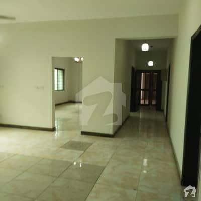 عسکری 11 عسکری لاہور میں 4 کمروں کا 12 مرلہ فلیٹ 1.93 کروڑ میں برائے فروخت۔