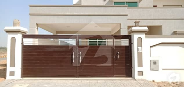 In Jinnah Avenue 4500 Square Feet House For Sale