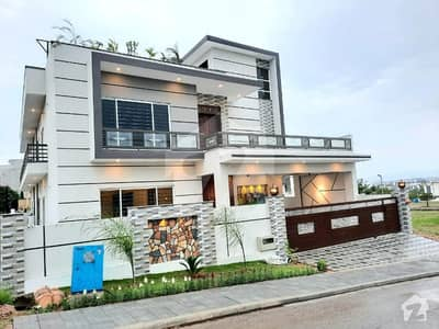 Brand New Stylish 1 Kanal House Is Available For Sale