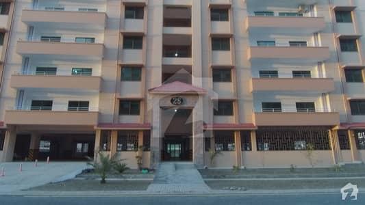عسکری 10 - سیکٹر ایف عسکری 10 عسکری لاہور میں 3 کمروں کا 10 مرلہ فلیٹ 2.35 کروڑ میں برائے فروخت۔
