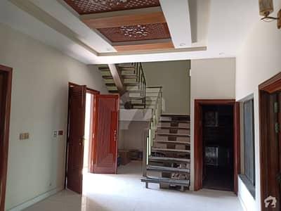 سٹی ہاؤسنگ سوسائٹی - فیز 2 سٹی ہاؤسنگ سوسائٹی فیصل آباد میں 10 مرلہ مکان 1.85 کروڑ میں برائے فروخت۔