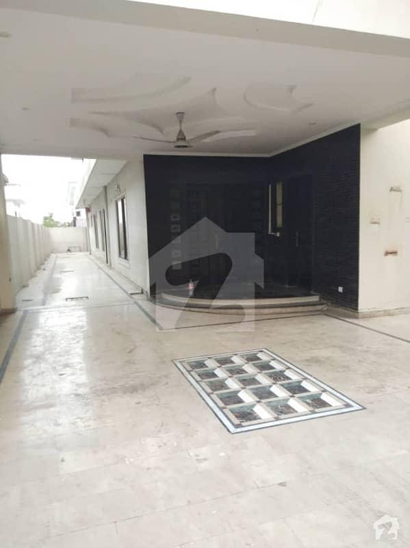 ایف ۔ 10/1 ایف ۔ 10 اسلام آباد میں 5 کمروں کا 1 کنال مکان 10 کروڑ میں برائے فروخت۔