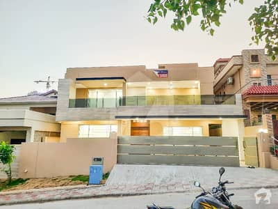 High Quality 1 Kanal House Available For Sale