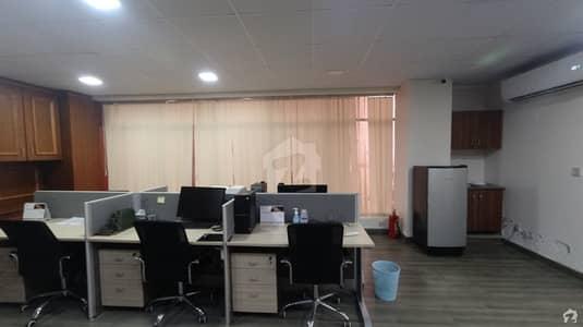 کلفٹن کراچی میں 6 مرلہ دفتر 1.6 لاکھ میں کرایہ پر دستیاب ہے۔