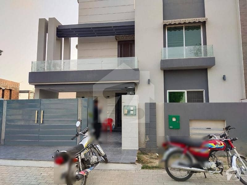 10 Marla Brand New Home Available For Sale In Bahria Orchard Southern District Raiwind Road Lahore.
