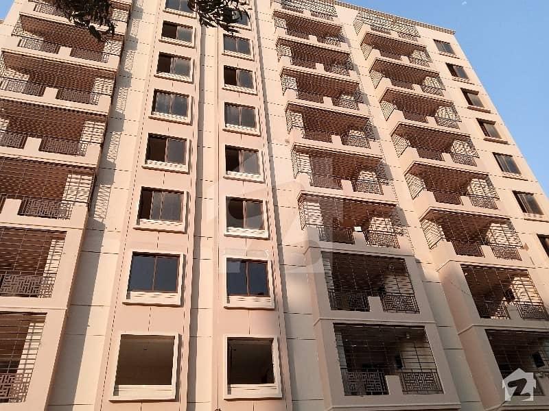 جناح ایونیو کراچی میں 3 کمروں کا 6 مرلہ فلیٹ 1.5 کروڑ میں برائے فروخت۔