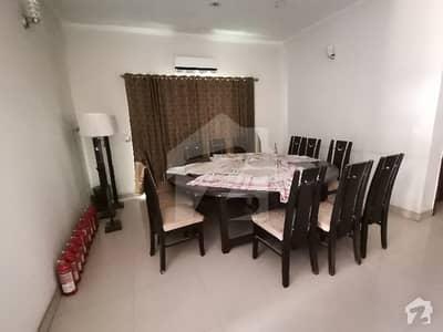گلبرگ لاہور میں 6 کمروں کا 2 کنال مکان 3.5 لاکھ میں کرایہ پر دستیاب ہے۔