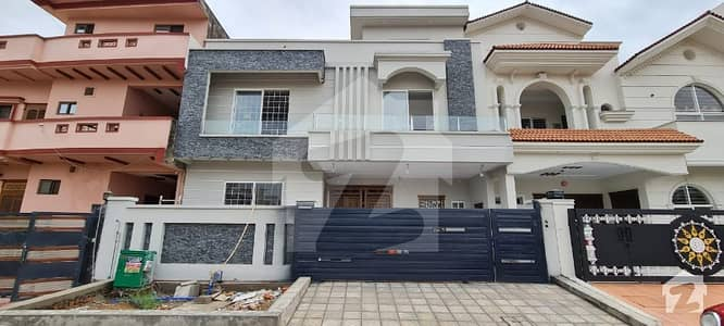 35x70 Brand New House For Sale