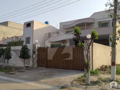 لاہور ۔ شیخوپورہ ۔ فیصل آباد روڈ فیصل آباد میں 1 کنال مکان 3.5 کروڑ میں برائے فروخت۔