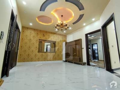 این ایف سی 1 لاہور میں 5 کمروں کا 10 مرلہ مکان 1.05 لاکھ میں کرایہ پر دستیاب ہے۔