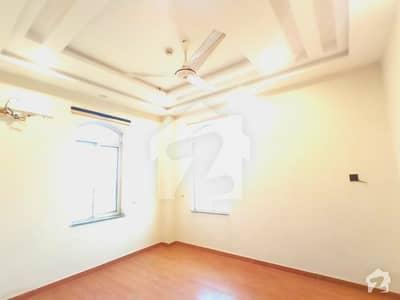 ڈی ایچ اے فیز 2 ڈیفنس (ڈی ایچ اے) لاہور میں 3 کمروں کا 4 مرلہ فلیٹ 55 ہزار میں کرایہ پر دستیاب ہے۔