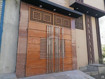 سمیع ٹاؤن لاہور میں 3 کمروں کا 4 مرلہ مکان 35 ہزار میں کرایہ پر دستیاب ہے۔