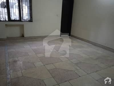 10 Marla House For Sale Available in Allama Iqbal Town