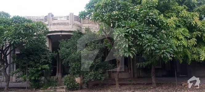 سوِل لائنز فیصل آباد میں 12 کمروں کا 10 کنال مکان 1.11 ارب میں برائے فروخت۔
