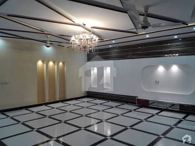او پی ایف ہاؤسنگ سکیم لاہور میں 7 کمروں کا 1 کنال مکان 1.4 لاکھ میں کرایہ پر دستیاب ہے۔