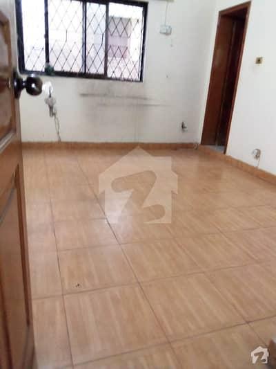 ایف ۔ 11/1 ایف ۔ 11 اسلام آباد میں 6 کمروں کا 1 کنال مکان 8.75 کروڑ میں برائے فروخت۔
