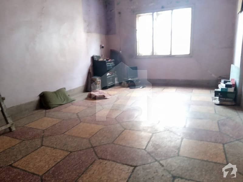 Get In Touch Now To Buy A 900 Square Feet Flat In Lyari Town