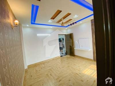 خیابانِ امین لاہور میں 3 کمروں کا 5 مرلہ مکان 30 ہزار میں کرایہ پر دستیاب ہے۔