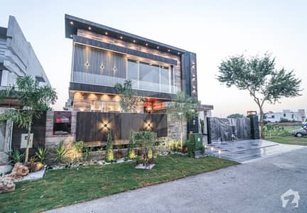 1 KANAL BRAND NEW LUXURIOUS MODERN HOUSE AVAILABLE FOR SALE ON HOT LOCATION IN DHA PHASE 5 LAHORE