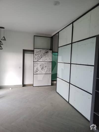 ڈی ایچ اے فیز 3 - بلاک وائے فیز 3 ڈیفنس (ڈی ایچ اے) لاہور میں 4 مرلہ عمارت 7.25 کروڑ میں برائے فروخت۔