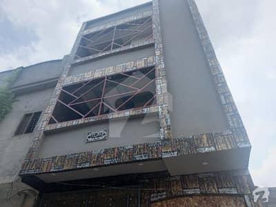 مُعیز ٹاؤن ہربنس پورہ لاہور میں 4 کمروں کا 4 مرلہ مکان 90 لاکھ میں برائے فروخت۔