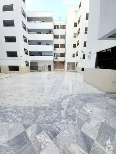 فریرے ٹاؤن کراچی میں 3 کمروں کا 10 مرلہ فلیٹ 3.9 کروڑ میں برائے فروخت۔
